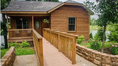 Photo for Wine Trail Cabin - Carbondale, Southern Illinois - Giant City State Park