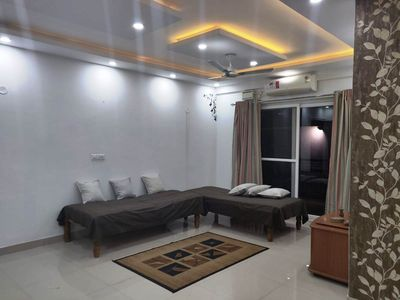 Photo for Luxury & Elegant Home Stay for 6, apartment loaded with amenities, near airport.
