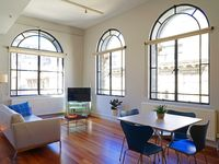 Great location to explore Melbourne's CBD and inner suburbs with extensive access to the light rail.