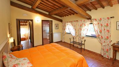 Photo for Apartment for 6/8 people - Farmhouse with swimming pool in the Chianti hills