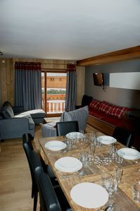 Photo for Southern apartment full comfort in the heart of Les Trois Vallées. Renovated 2014.