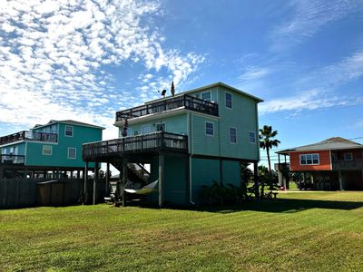 Photo for Surfside's Sandy Crab Cottage-Easy Walk to Beach!