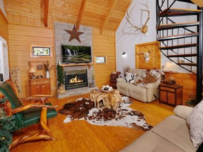 Photo for Beautiful 3 Bedroom Cabin!