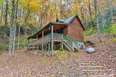 This home sits within minutes of Great Smoky Mountain National Park.
