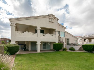 Luxurious 5 Bedrooms Plus Den, 3 Bath, Pool, Spa, Covered Bbq Area & Pool Table