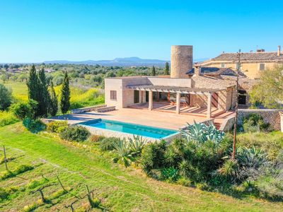 Photo for Villa Son Bennassar with infinity pool and countryside views