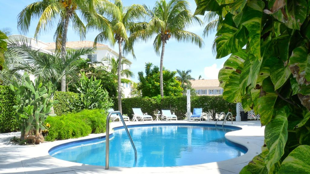 Grace Bay Beach Condo Rentals