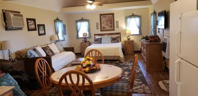 Photo for Beautifully decorated charming cabin located in  the Arbuckle Mountain Area.