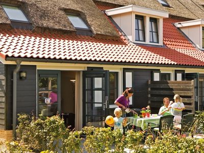 Photo for 6-person farmhouse residence in the holiday park Landal Résidence 't Hof van Haamstede - on the coast/the beach