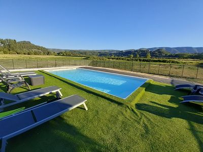 Photo for Panoramic view Lubéron 4 people - swimming pool 9mx4m - private courtyard and garden