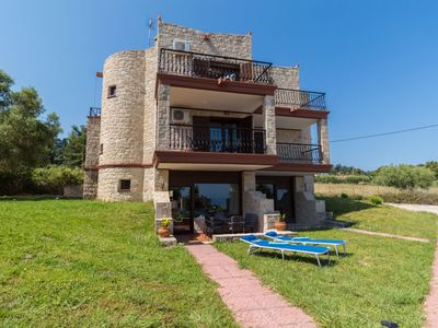 Photo for Stone-built maisonette with breath-taking sea and forest views