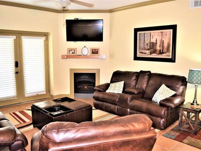 Photo for 3br/2ba Family Friendly Condo in Mountain View
