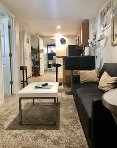 Photo for Cozy 2 Bedroom Apt, 20 Mins from NYC