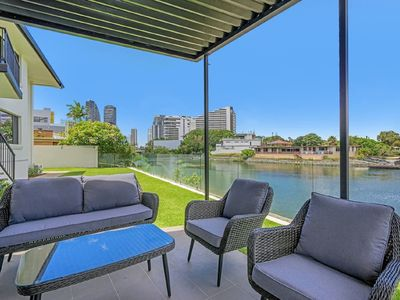 Photo for Luxury Waterfront Apartment