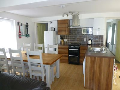 Photo for Neap Tide Looe. Spacious 3bed2bath apartment, walking distance to town & beach