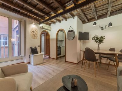 Photo for Campo de' Fiori Stylish Apartment