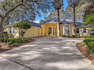Private Amelia Island Home with Handicap Accessiblity and Enclosed Pool