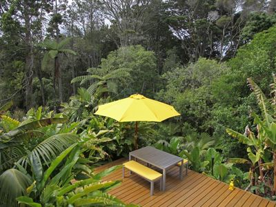 Photo for Happy chic jungle retreat, great location