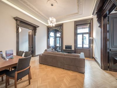 Photo for Bezeredi Apartment Budapest - luxury 2 bedrooms with aircondition and free Wifi