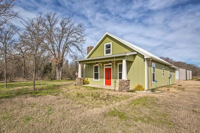 Located a short drive from Lake Fork, this home for 7 can't be beat!