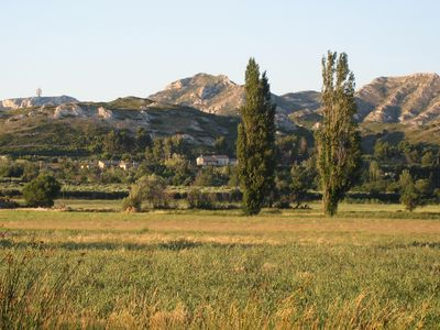 Photo for At the foot of the Alpilles, exceptional view of the Vallee des Baux