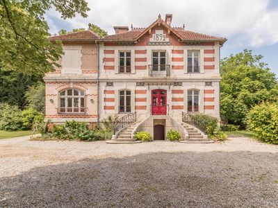 Photo for VILLA 1892 - Bourgeois 5 * house in Burgundy near Champagn vineyards