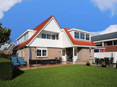 Photo for Casa Grande - An amazing house 1 km from Amsterdam