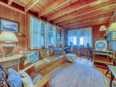 Photo for Family-friendly home w/ large deck, all beach items provided, and more!