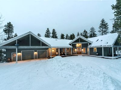 Photo for Large Mtn. Home! 7 Bedrooms- 4 King, On shuttle route, Close To Town, Sleeps 24