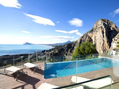 Photo for Stunning private villa for 10 people with hot tub, A/C, WIFI, private pool, TV and parking