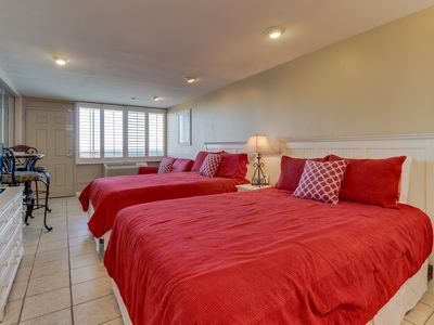 Photo for Updated oceanfront studio with great views & beach access- snowbirds welcome!