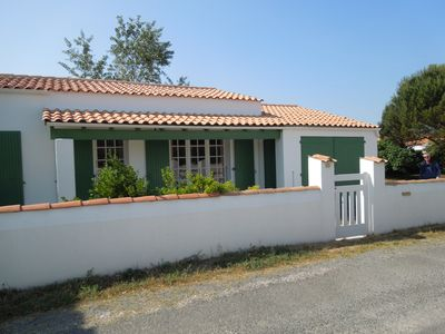 Photo for Comfortable house on a large fenced, direct access to the sea on foot