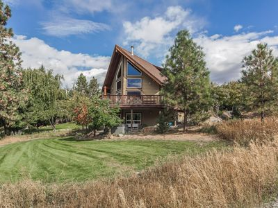 Photo for Leavenworth Chalet-Mountain Views and only 1 mile to Leavenworth!