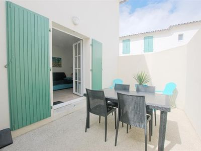 Photo for APARTMENT ON GROUND FLOOR WITH COURT YARD AND PRIVATE PARKING IN SAINT-MARTIN DE RE