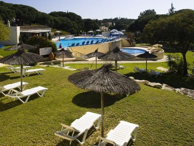 Photo for Spacious 2 bedroom, 2 bathroom apartment situated in Val do Lobo.