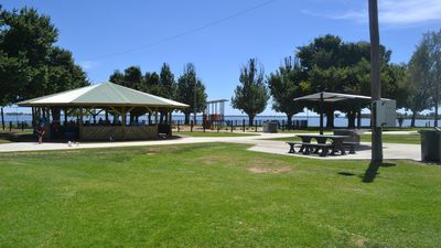 Photo for 2BR Apartment Vacation Rental in Yarrawonga, VIC