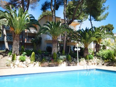 Photo for Apartment Platja de Aro with terrace and pool in Treumal Resort