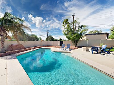Outdoor Space - Take a dip in the sparkling dive pool.