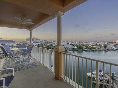 Waterfront Breeze Condo - Pool and Amazing Views!