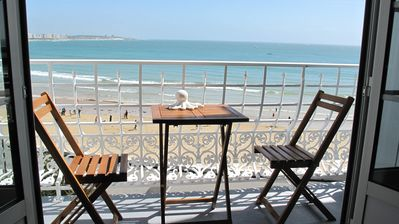 Photo for Beach front, apartment classified 4 ****, superb view of the bay, Wifi, parking