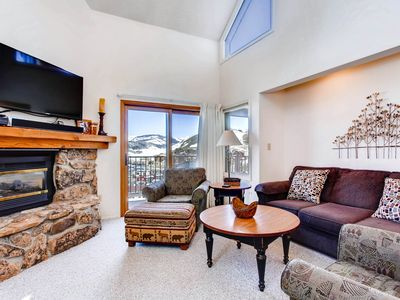 Photo for Contemporary 4 Br- Great for Families or Friends