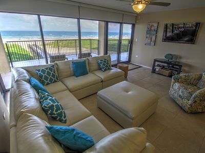Photo for Walls of windows overlooking the blue ocean!