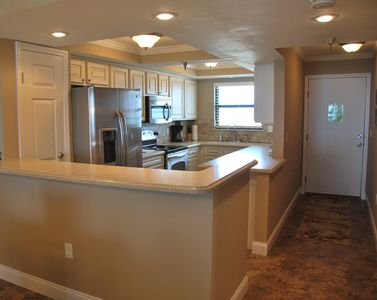 Photo for Emerald Surf, 507, Great Top Floor Unit For Couples And Families!