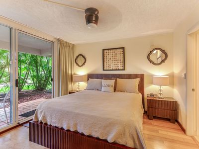 "Photo for ""BAREFOOT BEACH HOUSE""  *SEPT SPECIAL ** $189/NIGHT -- 2 BBD GR. FLOOR SUITE"