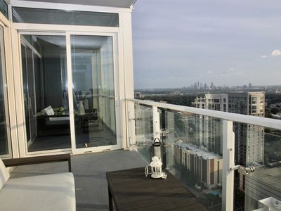 Photo for Luxurious and Spacious Condo with a Stunning View. Prime Shopping Location!