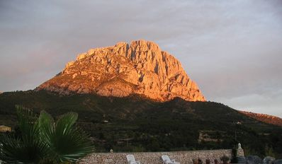 Photo for Holiday cottage with private pool located in the mountains of Finestrat