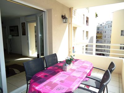 Photo for Central Antibes 2 bed apartment with sunny balconies, air conditioning, parking