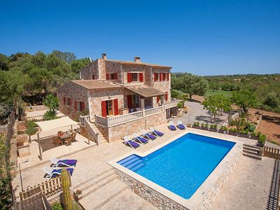 Photo for 4 bedroom Villa, sleeps 8 in Felanitx with Pool, Air Con and WiFi