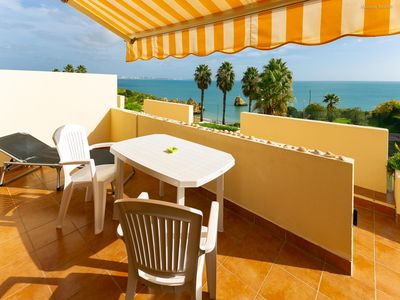 Photo for Pinhão Beach apartment in Lagos with WiFi, air conditioning & balcony.