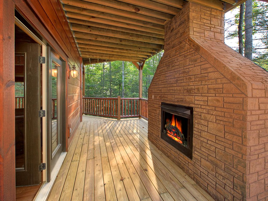 newer bedroom luxury cabin in a gatlinburg vrbo newer 4 bedroom luxury cabin in a gatlinburg resort